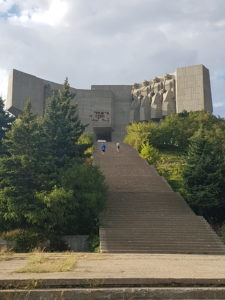 plus-size bulgaria varna monument soviet friendship