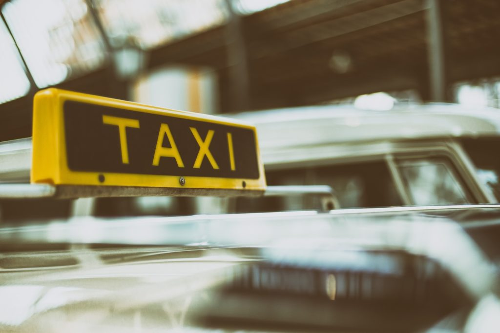 Things to Know When You Arrive in a New Place taxi
